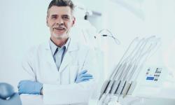 Plano dentário cobre aparelho